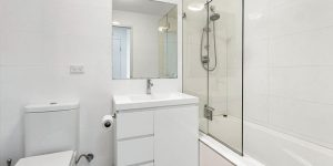 Turramurra Apartment Bathroom